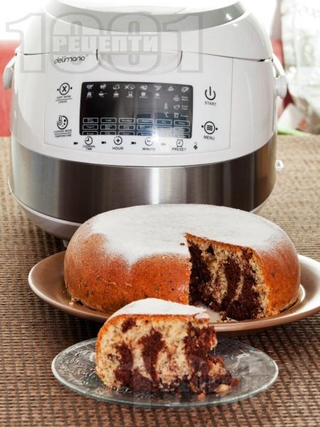Кекс с орехи, какао, лимонови кори и локум в Делимано Мултикукър - снимка на рецептата